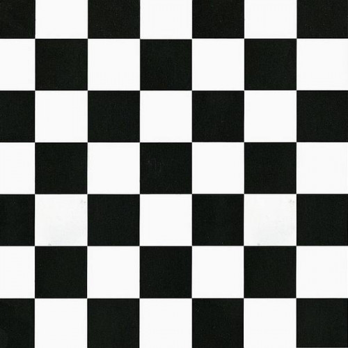 Rouleau adhésif damier noir et blanc